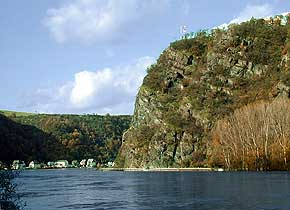 Lorelei rock, high water, 3. November 1998, � Picture: WHO, Wilhelm Hermann, Oberwesel