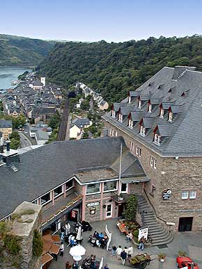Schlosshotel Rheinfels high above St. Goar, view from Watchtower, � 1999, WHO